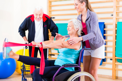 Physical-Therapy-Regaining-Strength-and-Mobility-in-Seniors